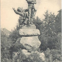 1372605110-Oloron-monument-mobiles