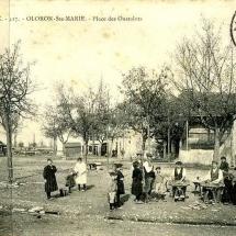 1416043265-Oloron-place-Oustalots