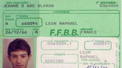 R. Léon